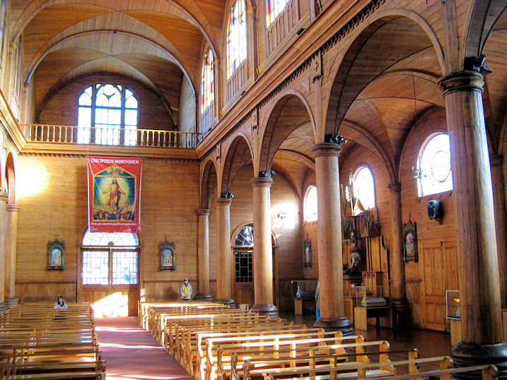 Holz als material geb ude f r religi se zwecke for Christian koch architekt